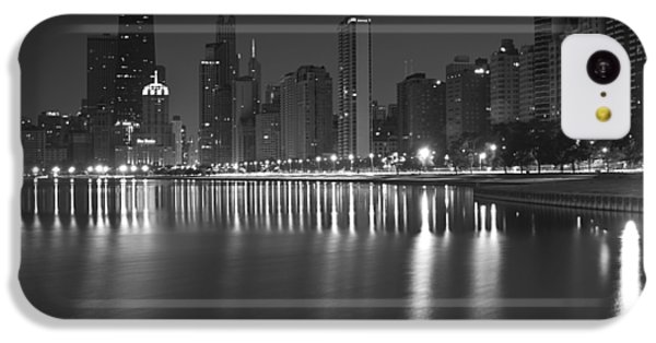 Hancock Building iPhone 5c Case - Black And White Chicago Skyline At Night by Sven Brogren