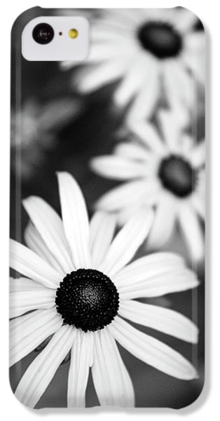 IPhone 5c Case featuring the photograph Black And White Daisies by Christina Rollo
