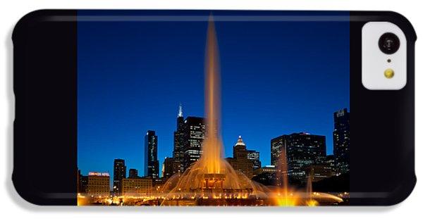 Chicago iPhone 5c Case - Buckingham Fountain Nightlight Chicago by Steve Gadomski
