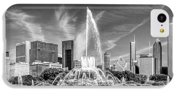 Buckingham Fountain Skyline Panorama Black And White IPhone 5c Case by Christopher Arndt