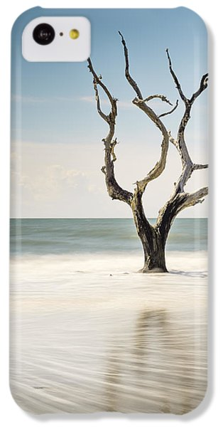 Bull iPhone 5c Case - Bulls Island C-xii by Ivo Kerssemakers