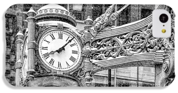 IPhone 5c Case featuring the photograph Chicago Marshall Field State Street Clock Black And White by Christopher Arndt