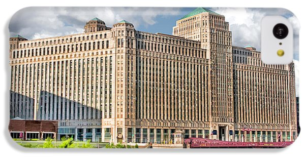 IPhone 5c Case featuring the painting Chicago Merchandise Mart by Christopher Arndt