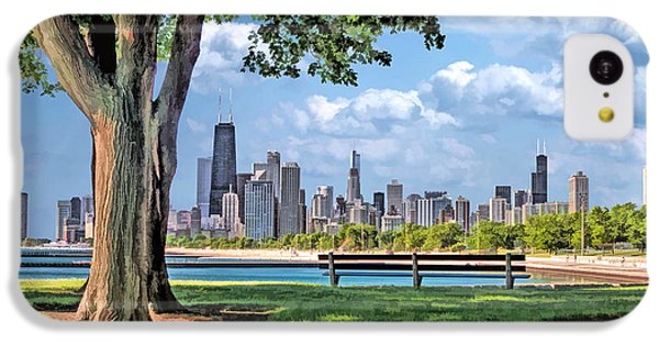 IPhone 5c Case featuring the painting Chicago North Skyline Park by Christopher Arndt