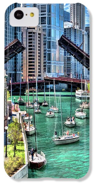 IPhone 5c Case featuring the painting Chicago River Boat Migration by Christopher Arndt
