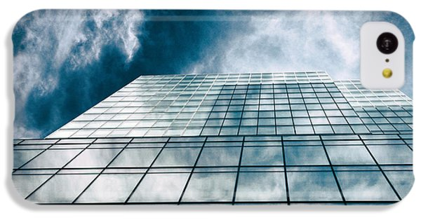 IPhone 5c Case featuring the photograph City Sky Light by Jessica Jenney