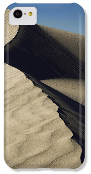 Desert iPhone 5c Case - Contours by Chad Dutson