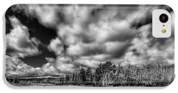 IPhone 5c Case featuring the photograph Dusting Of Snow On The River by David Patterson