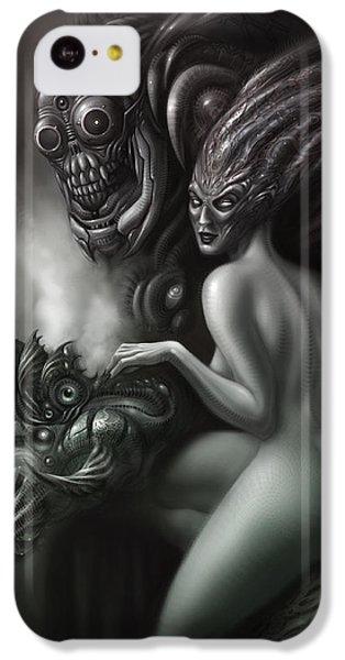 Aliens iPhone 5c Case - Family Portrait by Alex Ruiz