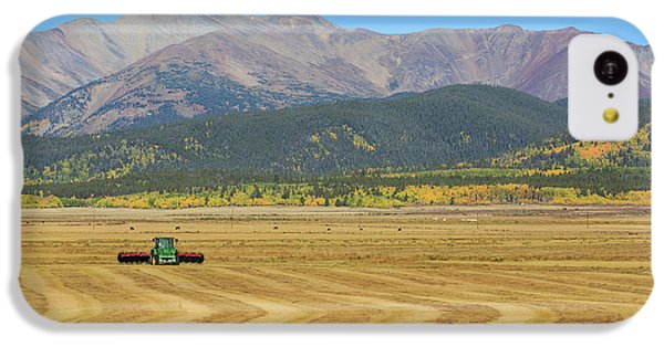 Farming In The Highlands IPhone 5c Case by David Chandler