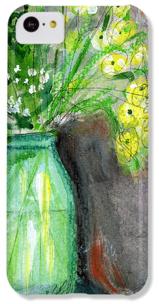 Daisy iPhone 5c Case - Flowers In A Green Jar- Art By Linda Woods by Linda Woods