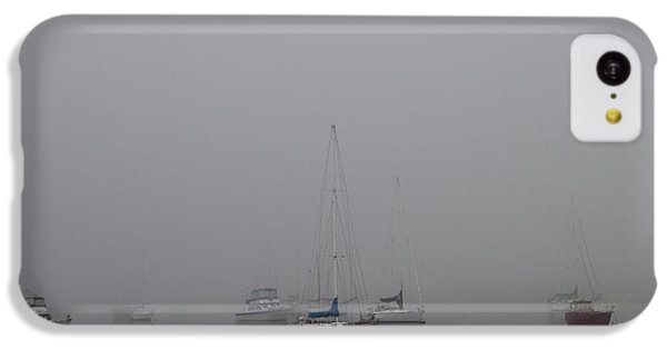 Waiting Out The Fog IPhone 5c Case by David Chandler