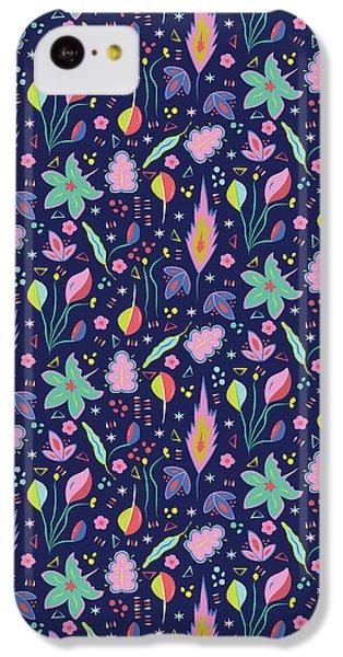 Fun In The Garden IPhone 5c Case by Elizabeth Tuck