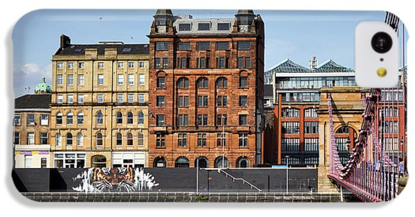 IPhone 5c Case featuring the photograph Glasgow by Jeremy Lavender Photography