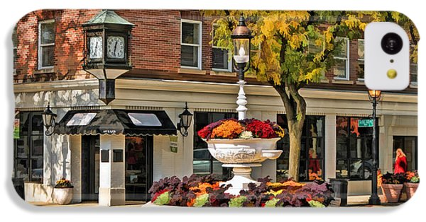 IPhone 5c Case featuring the painting Glen Ellyn Watering Fountain by Christopher Arndt