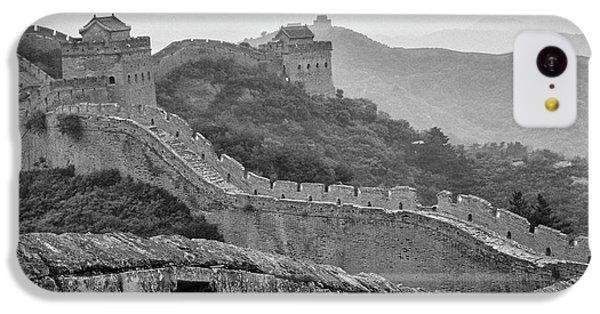 Great Wall 7, Jinshanling, 2016 IPhone 5c Case by Hitendra SINKAR