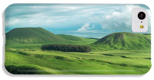 Helicopter iPhone 5c Case - Green Hills On The Big Island Of Hawaii by Larry Marshall