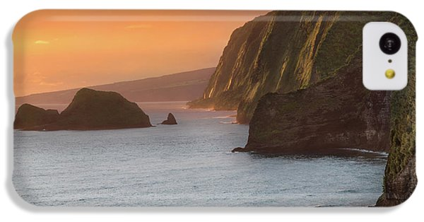 Ocean Sunset iPhone 5c Case - Hawaii Sunrise At The Pololu Valley Lookout 2 by Larry Marshall