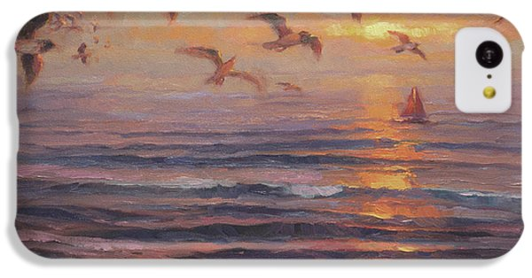 Seagull iPhone 5c Case - Heading Home by Steve Henderson