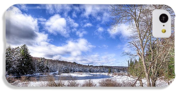 IPhone 5c Case featuring the photograph Heavy Snow At The Green Bridge by David Patterson