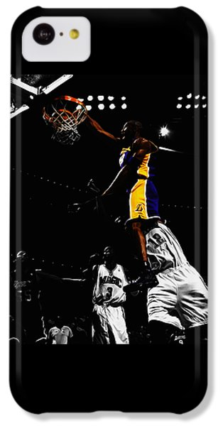 Kobe Bryant On Top Of Dwight Howard IPhone 5c Case by Brian Reaves