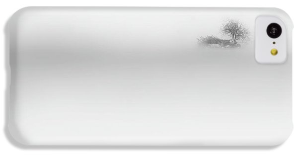 IPhone 5c Case featuring the photograph Lost Island by Bill Wakeley