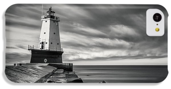 IPhone 5c Case featuring the photograph Ludington Light Black And White by Adam Romanowicz