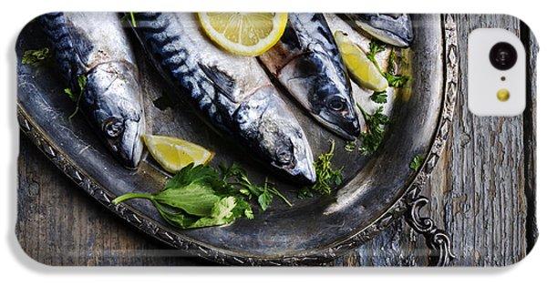 Mackerels On Silver Plate IPhone 5c Case by Jelena Jovanovic