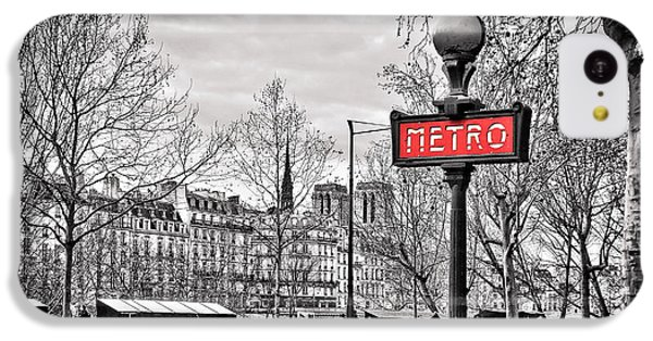 London Tube iPhone 5c Case - Metro Pont Marie by Delphimages Photo Creations