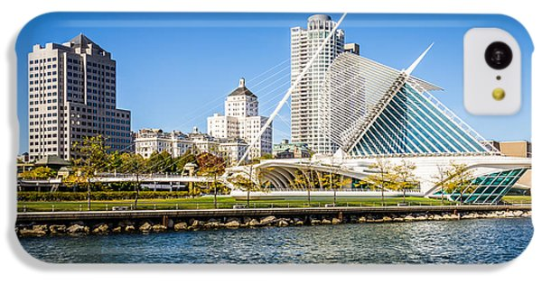 Lake Michigan iPhone 5c Case - Milwaukee Skyline Photo With Milwaukee Art Museum by Paul Velgos