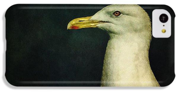 White iPhone 5c Case - Naujaq by Priska Wettstein