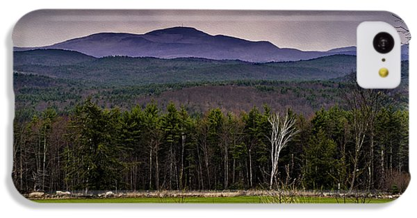 IPhone 5c Case featuring the photograph New England Spring In Oil by Mark Myhaver