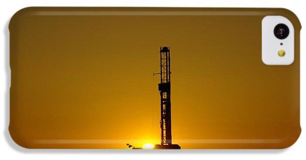 Oil Rig Near Killdeer In The Morn IPhone 5c Case