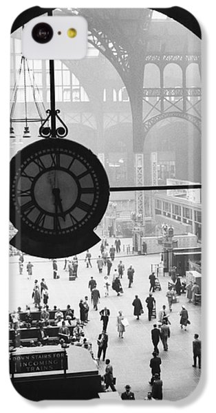 Penn Station Clock IPhone 5c Case by Van D Bucher and Photo Researchers