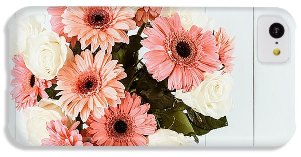 Pink Gerbera Daisy Flowers And White Roses Bouquet IPhone 5c Case