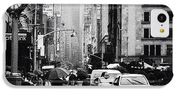 City iPhone 5c Case - Rain - New York City by Vivienne Gucwa