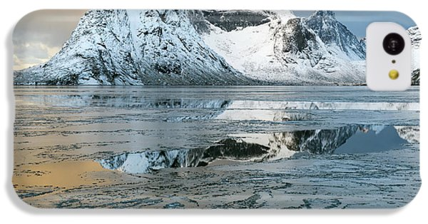 Reine, Lofoten 5 IPhone 5c Case by Dubi Roman