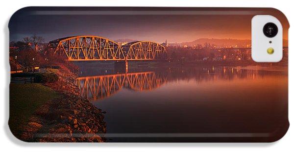 Beaver iPhone 5c Case - Rochester Train Bridge  by Emmanuel Panagiotakis