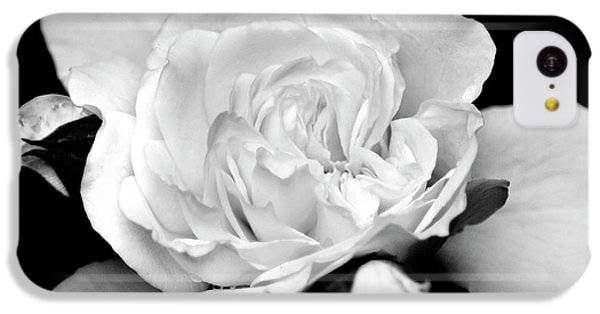 IPhone 5c Case featuring the photograph Rose Black And White by Christina Rollo