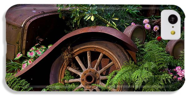 Rusty Truck In The Garden IPhone 5c Case