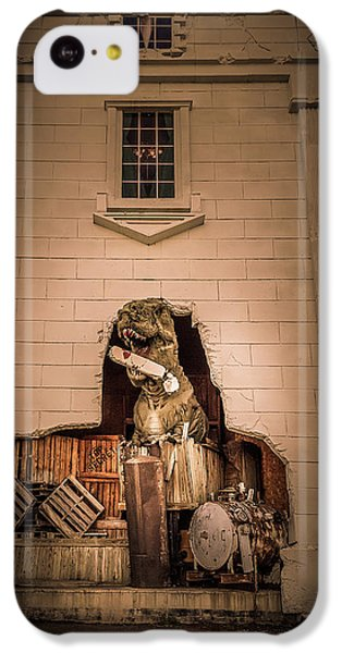 Scary Dinosaurs At Top Secret In Wisconsin Dells. IPhone 5c Case