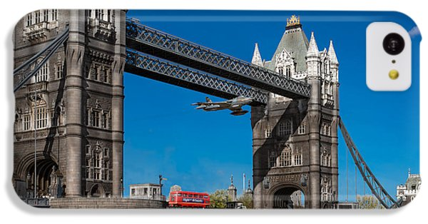 Seven Seconds - The Tower Bridge Hawker Hunter Incident  IPhone 5c Case by Gary Eason