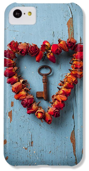 Still Life iPhone 5c Case - Small Rose Heart Wreath With Key by Garry Gay