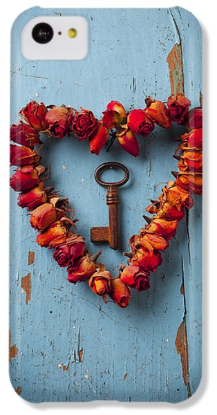 Valentines Day iPhone 5c Case - Small Rose Heart Wreath With Key by Garry Gay