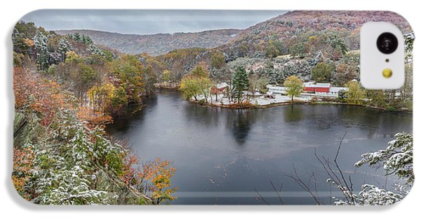 IPhone 5c Case featuring the photograph Snowliage by Bill Wakeley
