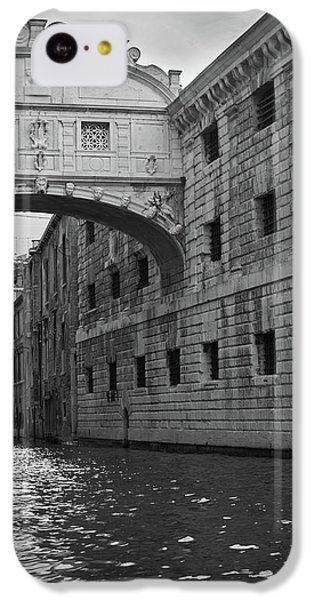 IPhone 5c Case featuring the photograph The Bridge Of Sighs, Venice, Italy by Richard Goodrich