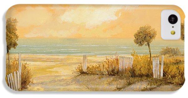 Beach iPhone 5c Case - Verso La Spiaggia by Guido Borelli