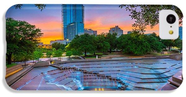 Universities iPhone 5c Case - Water Gardens Sunset by Inge Johnsson