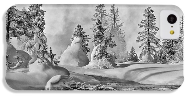 IPhone 5c Case featuring the photograph Yellowstone In Winter by Gary Lengyel