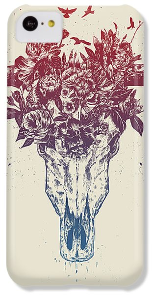 Bull iPhone 5c Case - Dead Summer by Balazs Solti